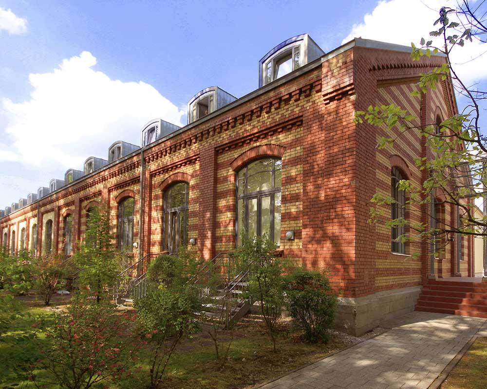 sanierung loftwohnungen in regensburg 2000 nowak und thaler architekturb ro regensburg. Black Bedroom Furniture Sets. Home Design Ideas